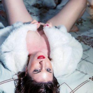Amatérska modelka Fatima pre fotenie aj filmovanie amatérskeho porna